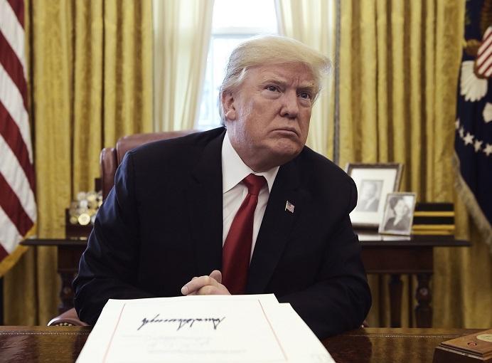 شیشه عمر ترامپ چگونه به دست ایران افتاد؟