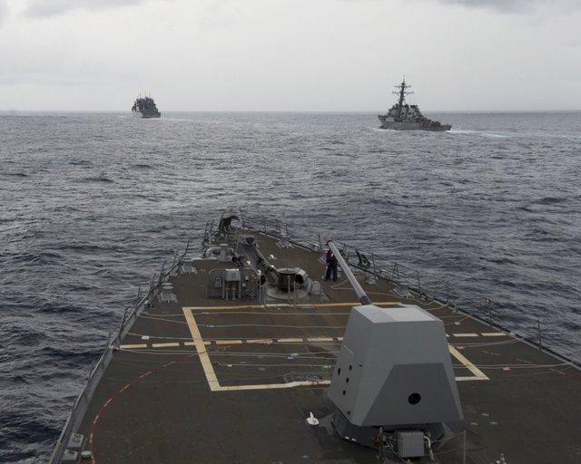 حضور دو ناو آمریکایی در دریای چین جنوبی