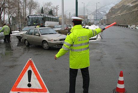 خبرنگاران واژگونی تانکر سوخت، جاده تایباد- دوغارون را مسدود کرد