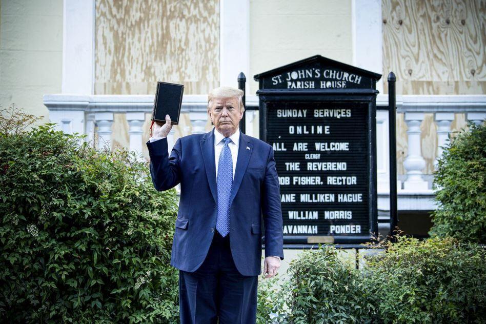 ملاقات ترامپ از کلیسا خشم اسقف آمریکایی را برانگیخت