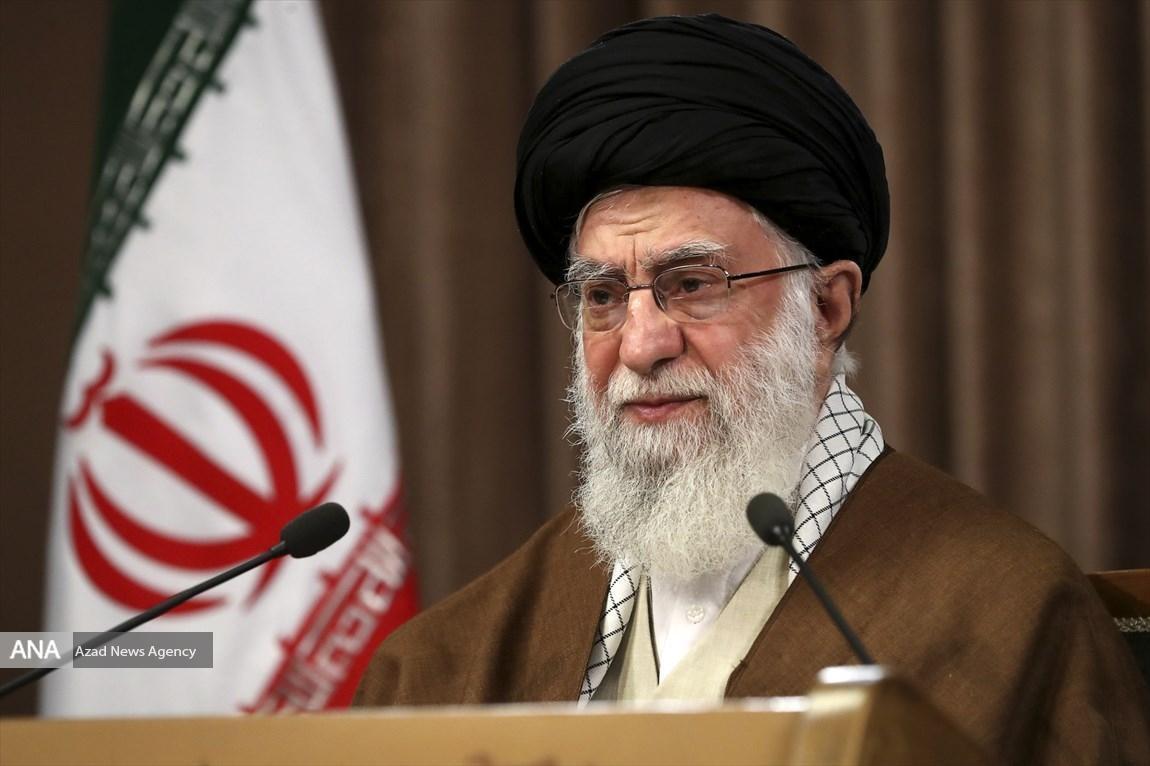 تذکر رهبر انقلاب درباره فساد داخل قوه، کسی که در قوه قضائیه خیانت می کند، باید دو برابر مجازات بشود!