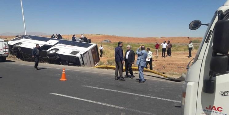 5 کشته و 12 زخمی در پی واژگونی اتوبوس در اتوبان کاشان-قم