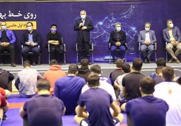 بازدید رئیس و اعضای هیئت اجرایی کمیته ملی المپیک از فدراسیون کشتی