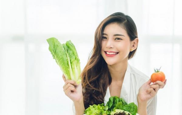 25 خوراکی برای مبارزه با پیری و جلوگیری از چین وچروک پوست