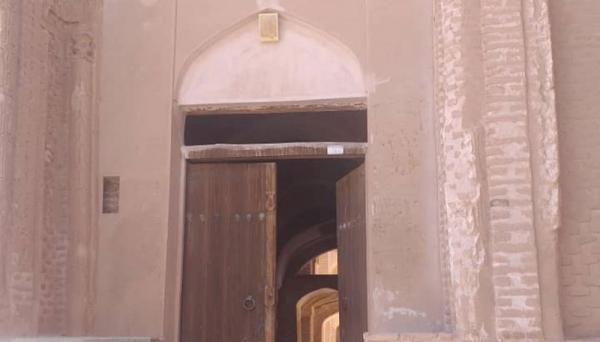 خاتمه عملیات بازسازی سر در غربی مسجد جامع تاریخی اردستان