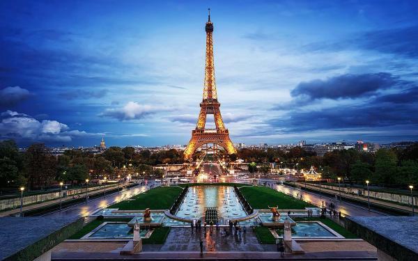 10 جاذبه گردشگری پاریس که نباید از دست داد ، فروش آنلاین بلیط هواپیما به مقصد فرانسه