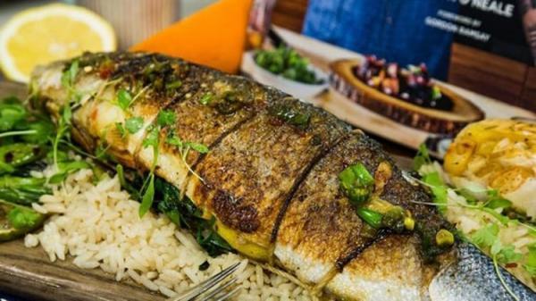 طرز تهیه مرحله به مرحله ماهی شکم پر خوشمزه و مجلسی